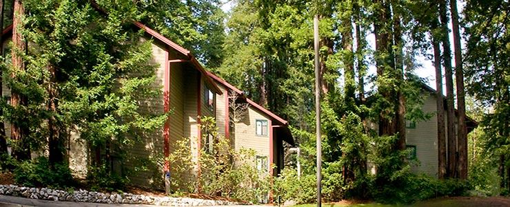 Redwood Grove Apartments