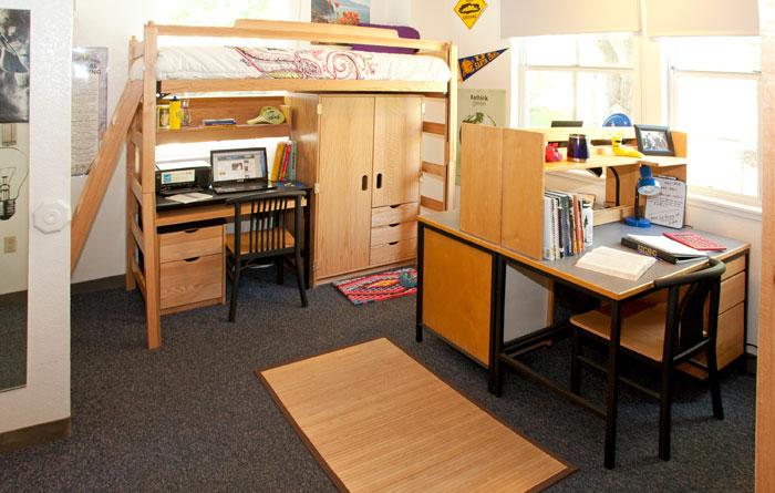 Uc Santa Cruz College Ten Dorm Room